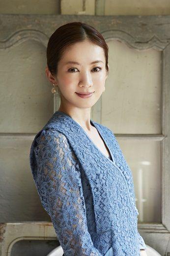 高垣麗子のドレス画像