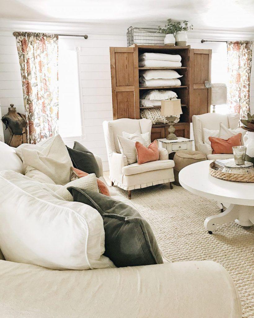 Adding Color To The Front Living Room (avec images)  Salons de