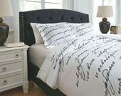 Amantipoint 3-Piece Queen Duvet Cover Set White/Gray #grayBedroom #graybedroomwithpopofcolor