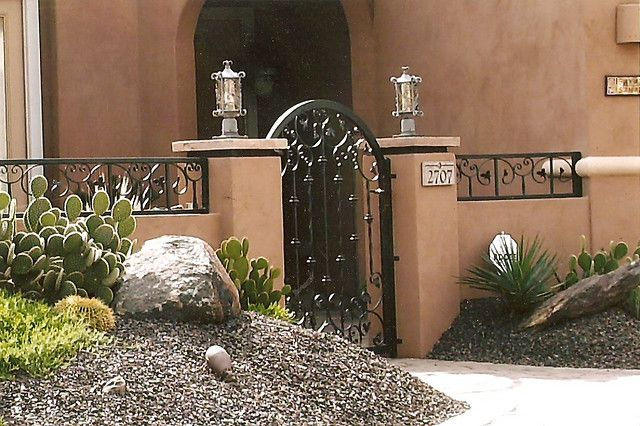 Courtyard Entrance In 2019 Yards Courtyard Landscaping
