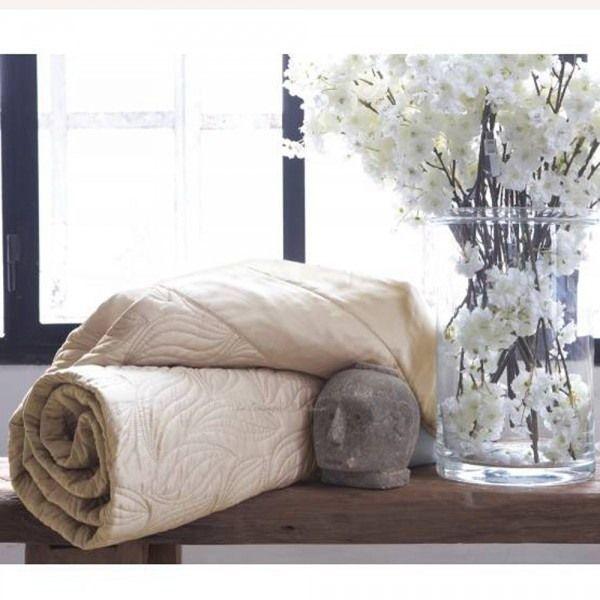 jeté de lit leaves   anne de solène   pinterest   jeté de lit et lits