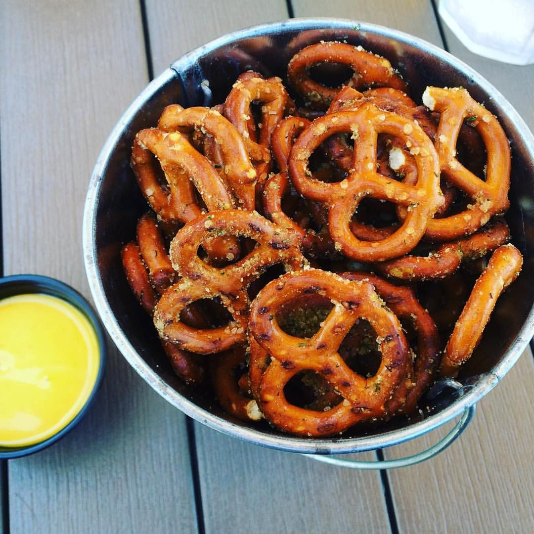 Seasoned pretzels with mustard for dipping hit the spot while waiting for lunch at 10 South Rooftop in Vicksburg. #EatVicksburgMS #EatMississippi #pretzels #mustard