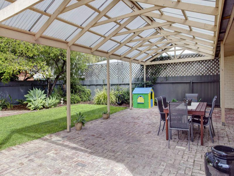 outdoor entertainment areas | placed outdoor entertainment area is