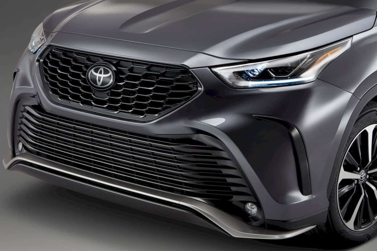 2021 Toyota Highlander More Fun For The Parents Toyota Highlander Toyota New Suv