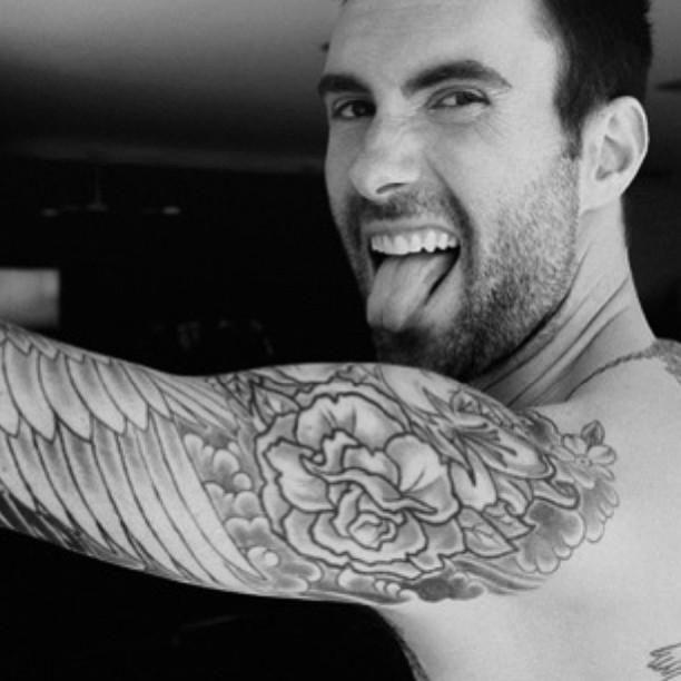 10 fotografías que demuestran que Adam Levine es uno de los hombres más guapos