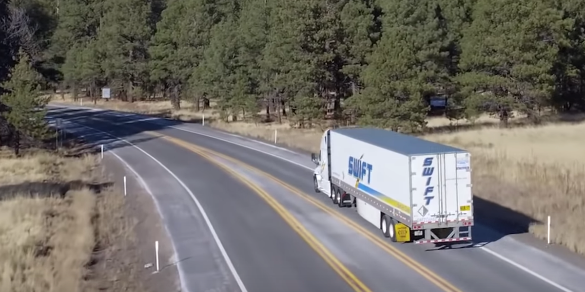 One Of America S Largest Trucking Companies Is Quietly Closing Its