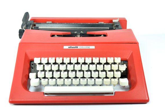 red olivetti typewriter college manual portable olivetti rh pinterest com Olivetti 32 Typewriter Yellow Olivetti Typewriters