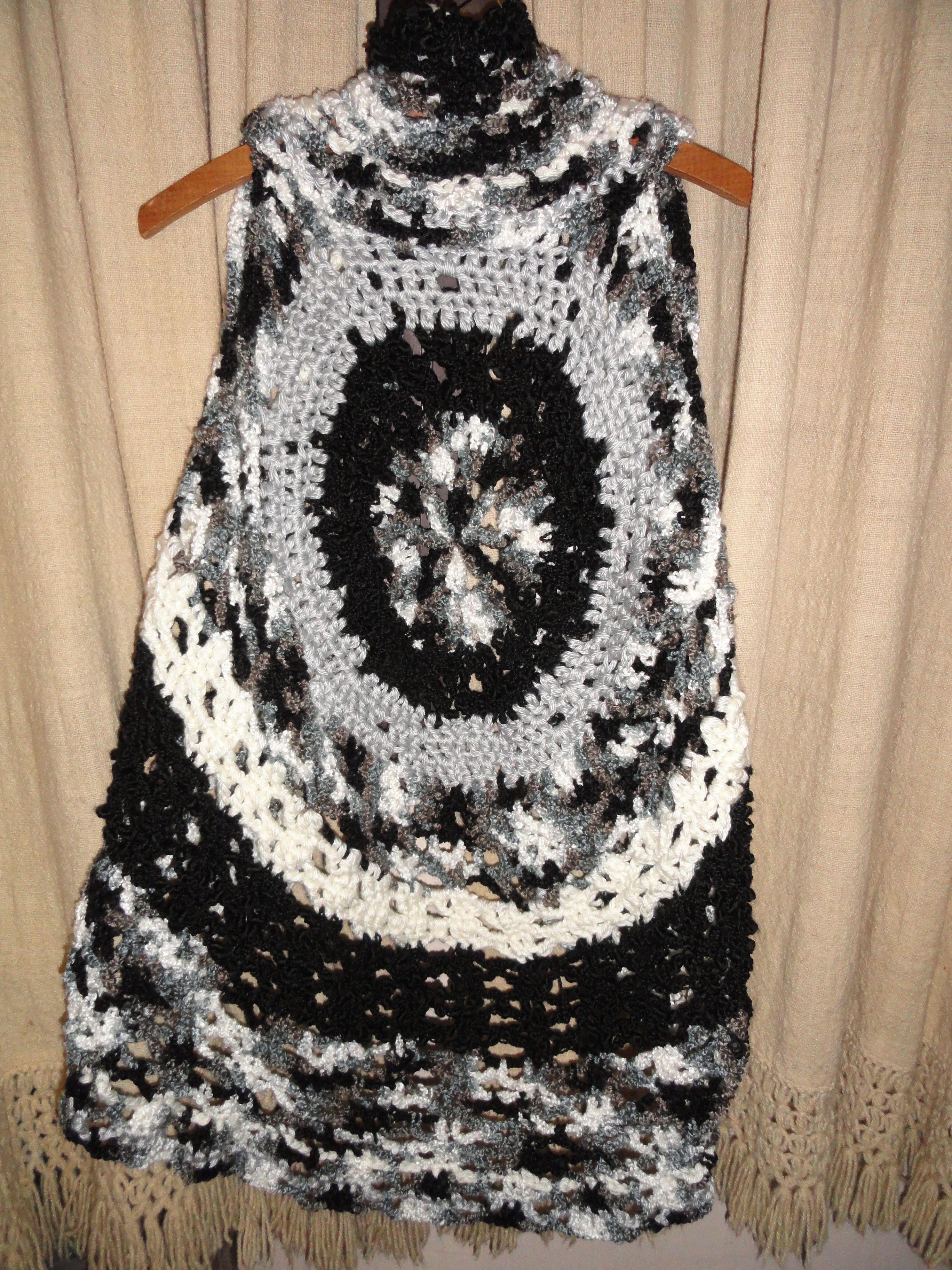 de lana al crochet, blanco, negro y gris
