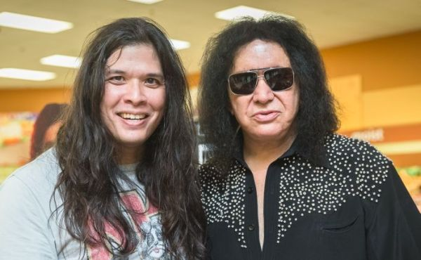 9212018 event meet greet with gene simmons concert by the gene 9212018 i was informed by several sources including friends and anyone who knows im a big kiss fan that not only was the gene simmons solo band would m4hsunfo
