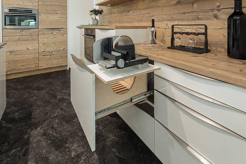Die Olina-Küche kann mehr! Sie hat eine Brotlade, da bleibt das - fliesen für küche