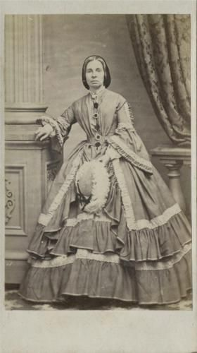 Cdv Ms Haviland In A Hooped Dress Hat By O Donnell Halifax Nova Scotia 1862 Dress Hats Female Images Victorian Women