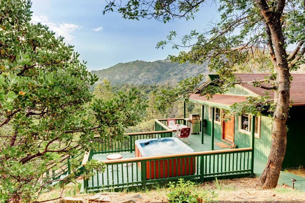 Julian California Vintage Fire Lookout Cabin Luxury Vacation Rental With A Spacious Hot Springs Spa The Two B Luxury Cabin Luxury Vacation Rentals Cabin