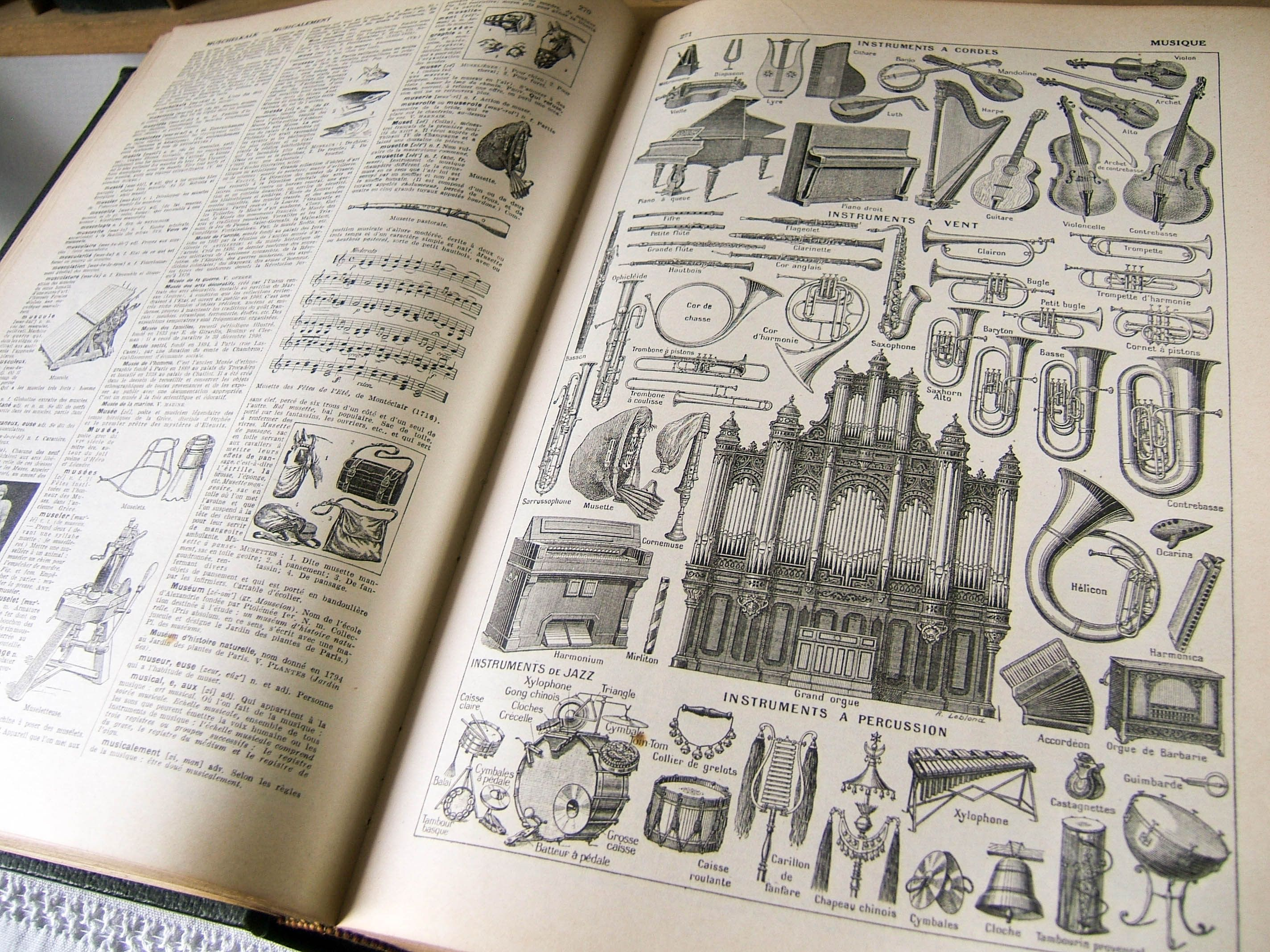 Vintage French Illustrated Dictionary Nouveau Larousse Universel