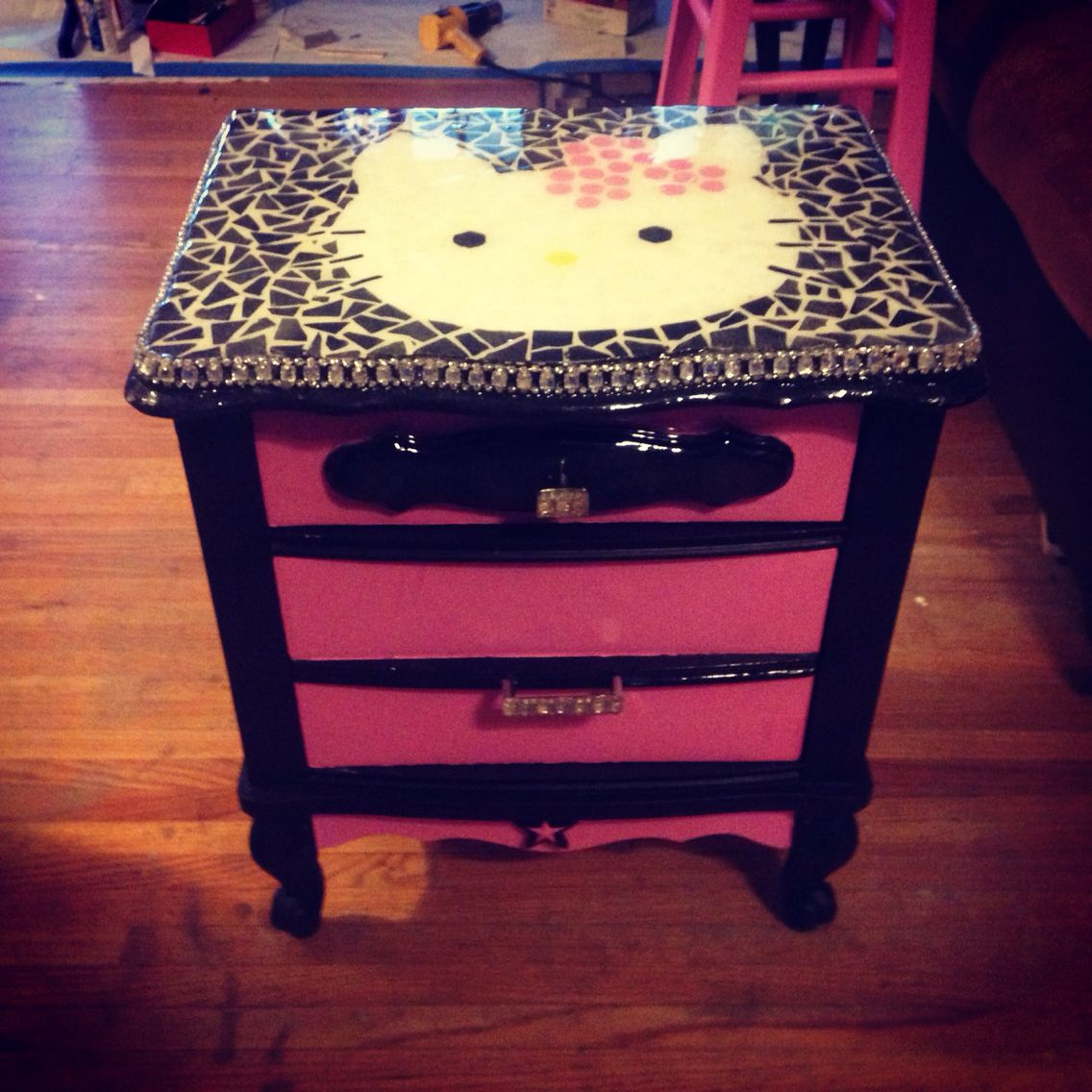 Hello Kitty bedside table