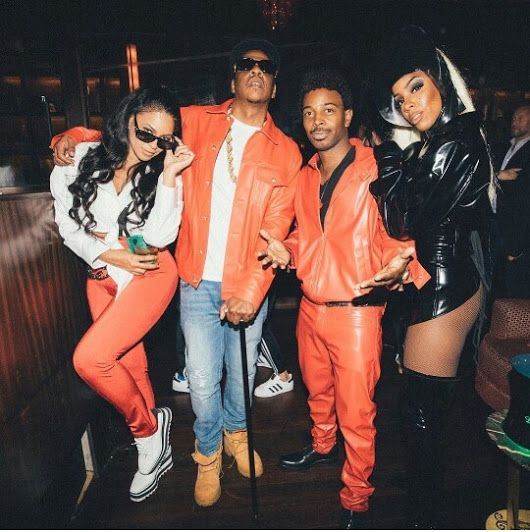 Beyonce and Jay-Z on Kelly Costume Party. It's been a long time since Beyonce...