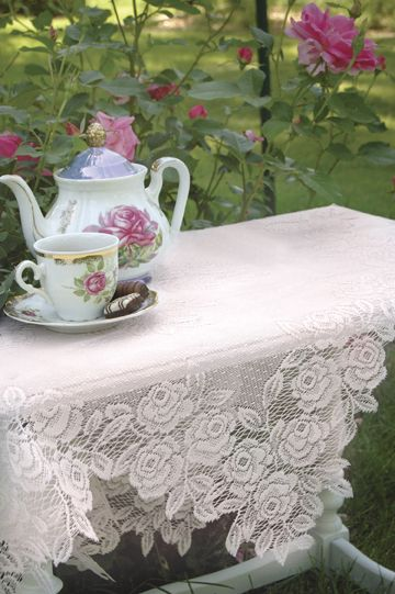 Google Image Result for http://roses-and-teacups.com/2010Lace/TeaRose-025.jpg