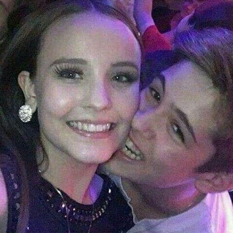 86d447bc4969f Larissa Manoela namora o famoso ator cantor , filho de Leonardo , João  Guilherme