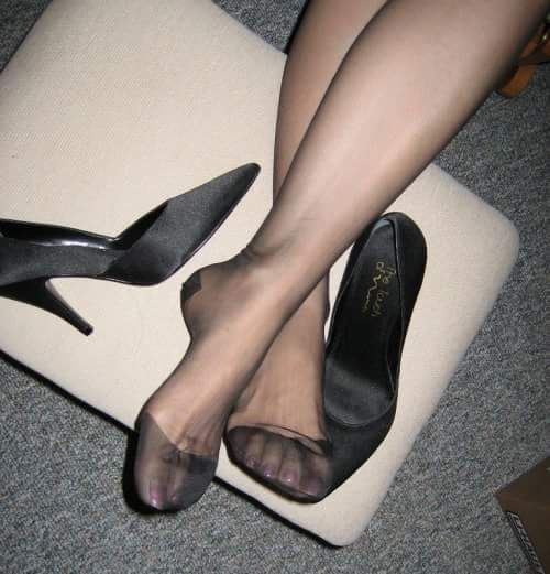 Pin Op All About Feet,High Heels  Nylon