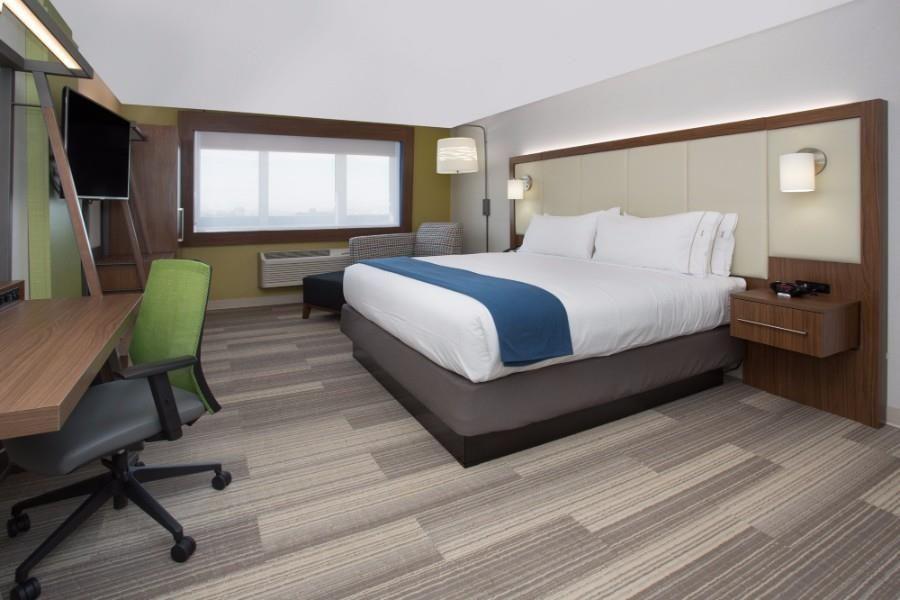 Holiday inn express suites houston e e sam houston pwy