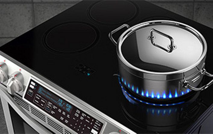 Discover the latest features and innovations available in the 29 13/16 inches x 36 inches - 37 1/8 inches (Adjustable), 5.82.43.3 cu. ft. Slide-In Induction Chef Collection Range with Flex Duo Oven.