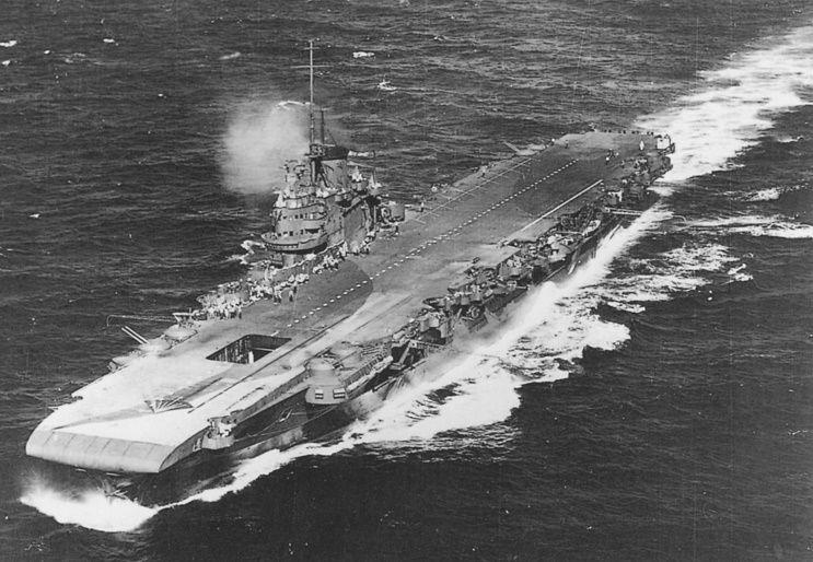 HMS Victorious seen off Honolulu in 1943  | Naval | Royal navy