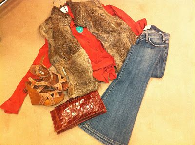 vintage clutch,wedges and fur...all me!