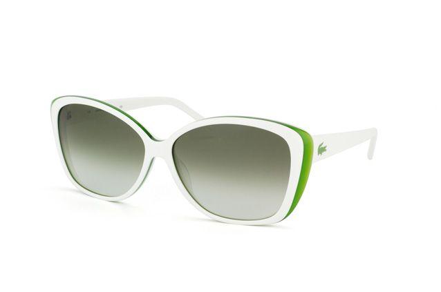 Diese weiß-grüne Lacoste lieben wir! A very feminine and great look for the summer!