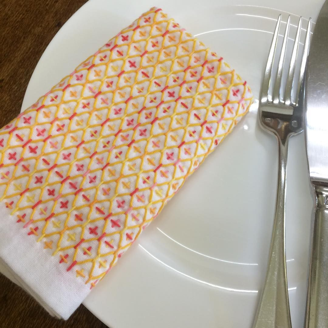 """""""Napkin finished and ready to be used! Hitomezashi (one stitch sashiko) Bright…"""