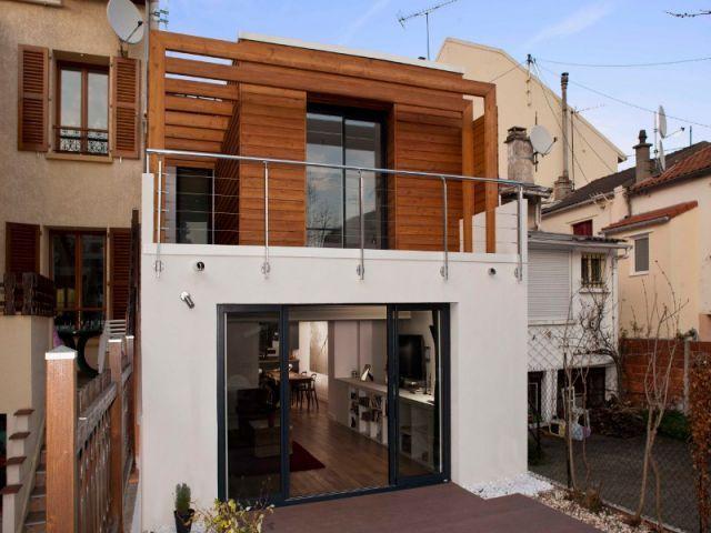 Extension boisée et aérée pour une maison mitoyenne par Jonathan - agrandir sa maison sans permis de construire