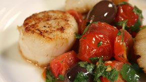 Gordon ramsays pan roasted scallops 4 tbsp olive oil 7 oz cherry gordon ramsays pan roasted scallops 4 tbsp olive oil 7 oz cherry tomatoes 3 oz pitted drained black olives salt and freshly ground black pepper fandeluxe Gallery