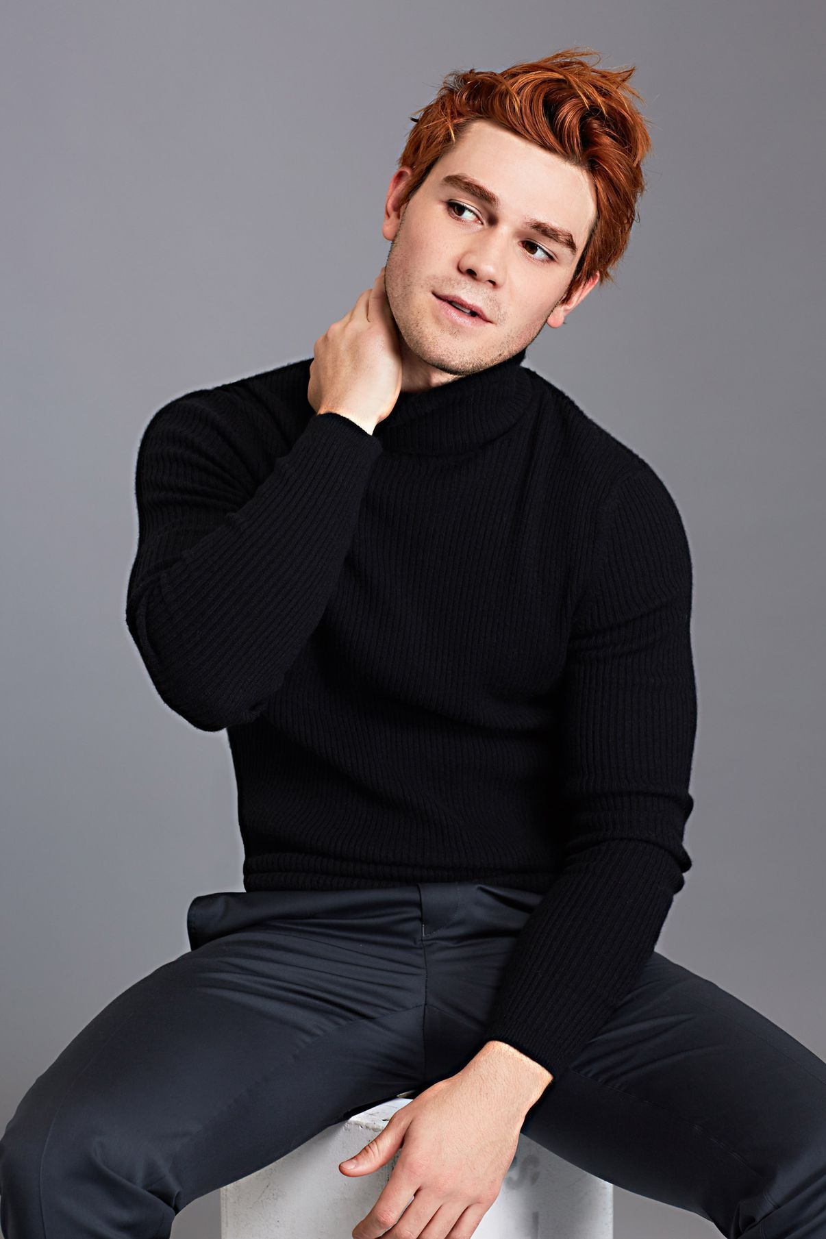 'Riverdale' Star KJ Apa Balances Relaxation and Refinement Riverdale Star KJ Apa Balances Relaxation and Refinement