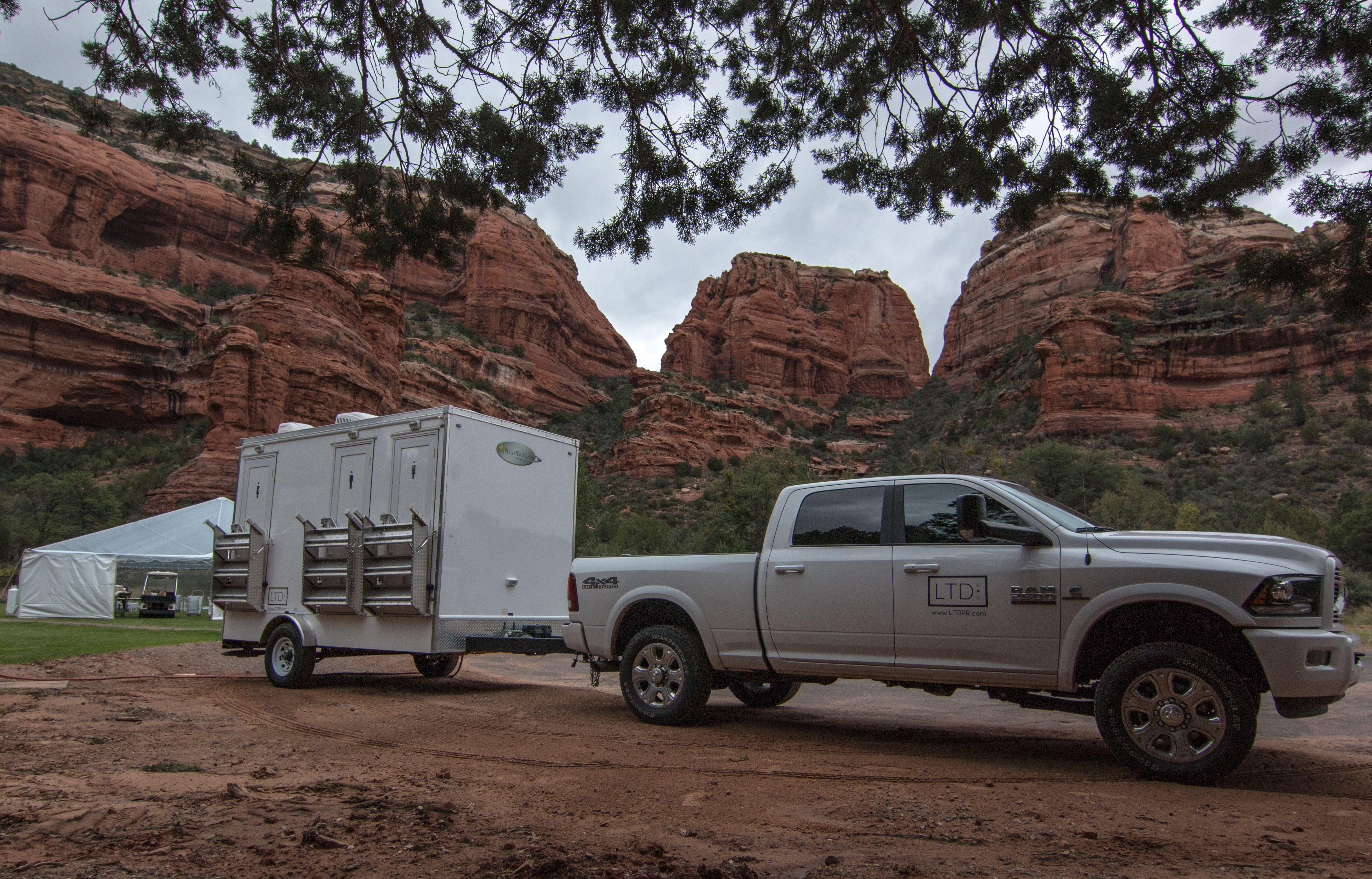 Ltd 3 station luxury restroom trailer portable restrooms