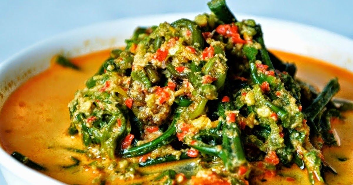 Resep Gulai Pakis Klasik Padang Membayangkan Daun Pakis Yang Dihidangkan Di Atas Meja Makan Tentu Saja Terasa Sangat Aneh Gulai Pa Resep Masakan Resep Gulai