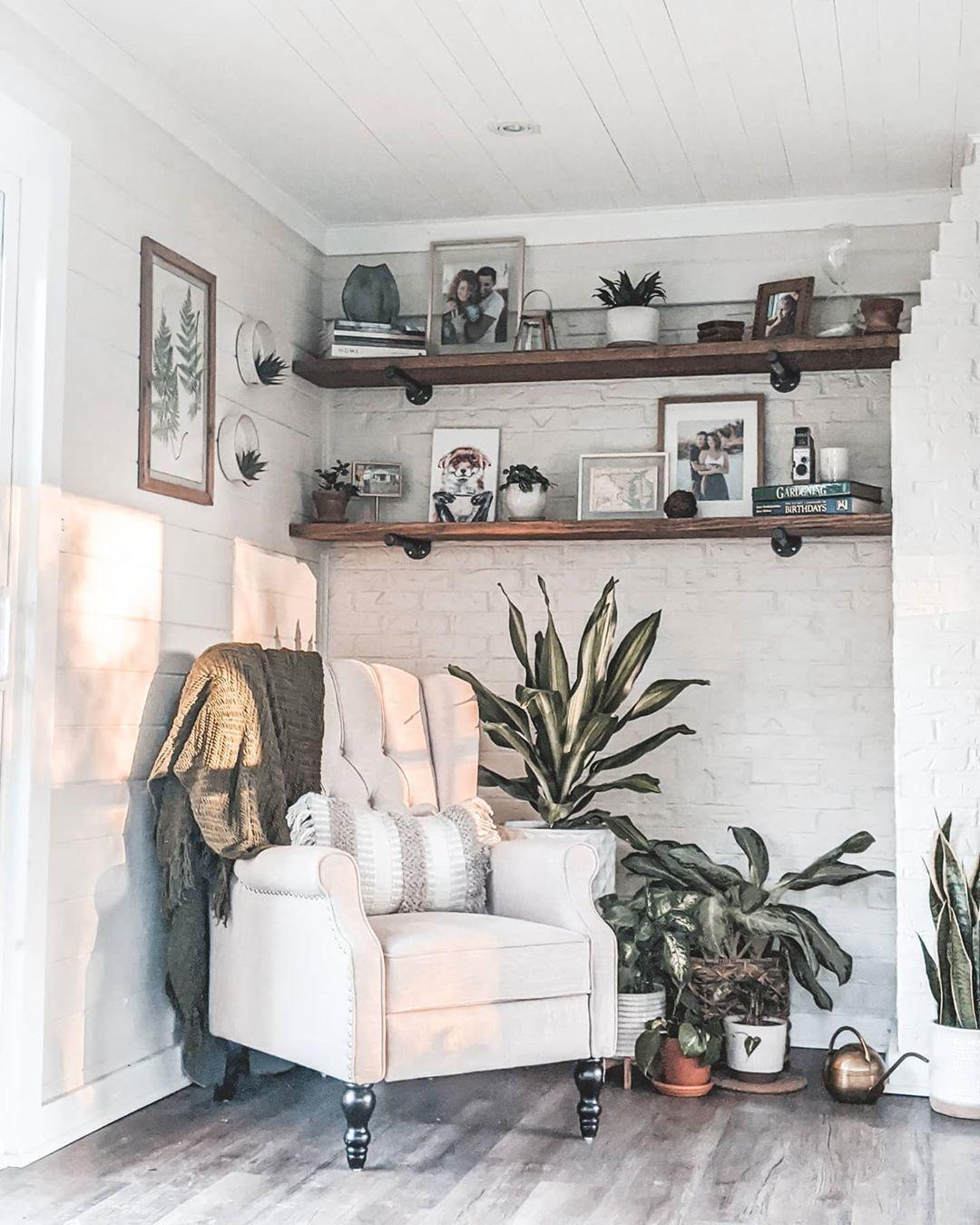 #home #homedecor #plantdecor #plants #decor #shelfdecor #shelfstyle #allwhite #target #homegoods #amazonhome #amazon #recliner #stylishrecliner #