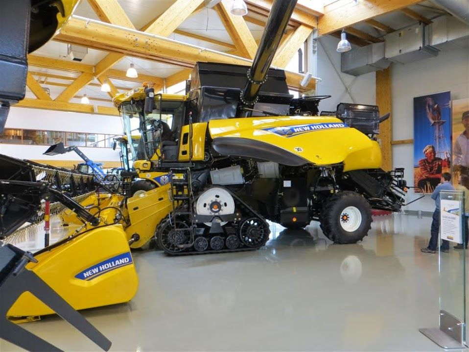 Pin By Dean Tuttle On New Holland New Holland Tractor New
