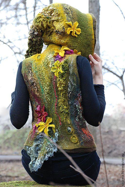 Купить Триана- предвестница весны - тёмно-зелёный, валяный жилет, жилет, верхняя…