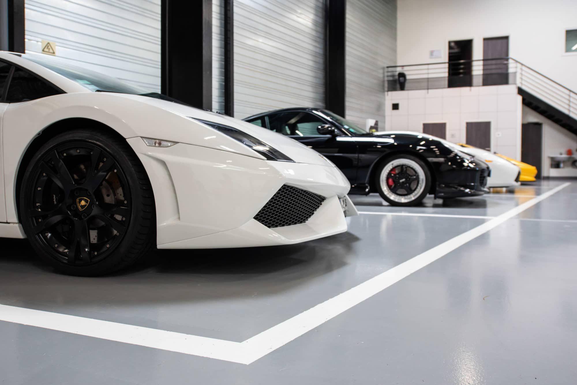 Lamborghini Bordeaux Unikalo L Atelier Est Un Espace Dynamique Où Le Mécanicien De La Concession Vient Entretenir Les Différente Lamborghini Voiture Bordeaux