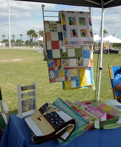 Pin By Because I M Me On Craft Show Quilt Display Booth Displays Fairs