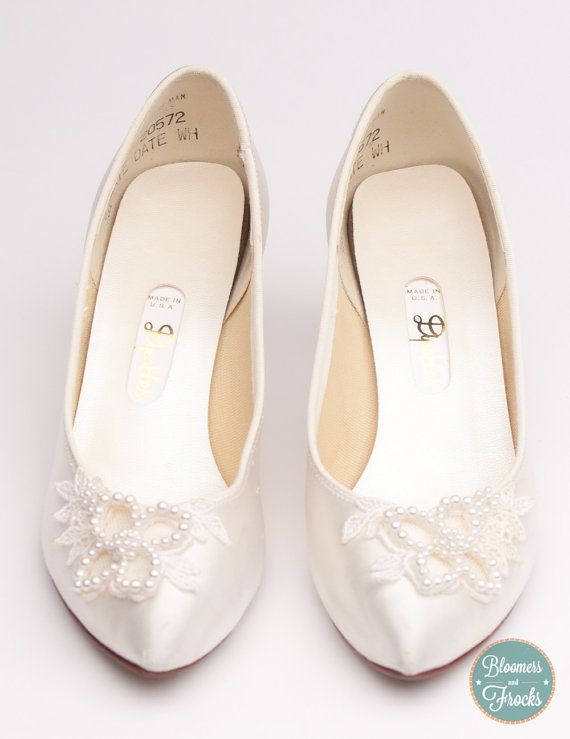 1980s White Dyeable Wedding Shoes With Pearl And Lace Details From Bloomersandfrocks 34 00 Wedding Shoes Dyeable Wedding Shoes Dyeable Shoes
