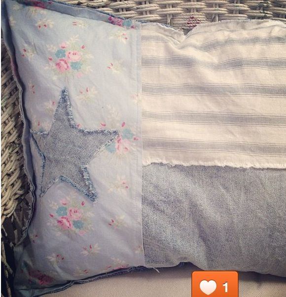 Texas Flag Shabby Chic Pillow - I love this! It looks so soft and worn.