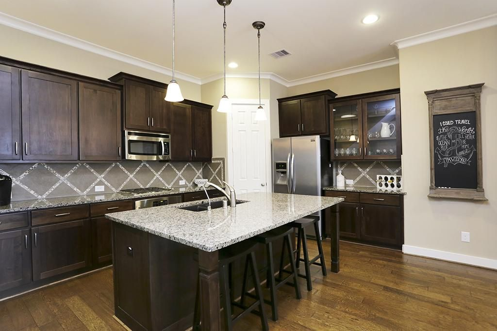 Kitchen Cabinet Layout Ideas Colored Appliances Chef's (13x13) With Granite Countertop. Large ...
