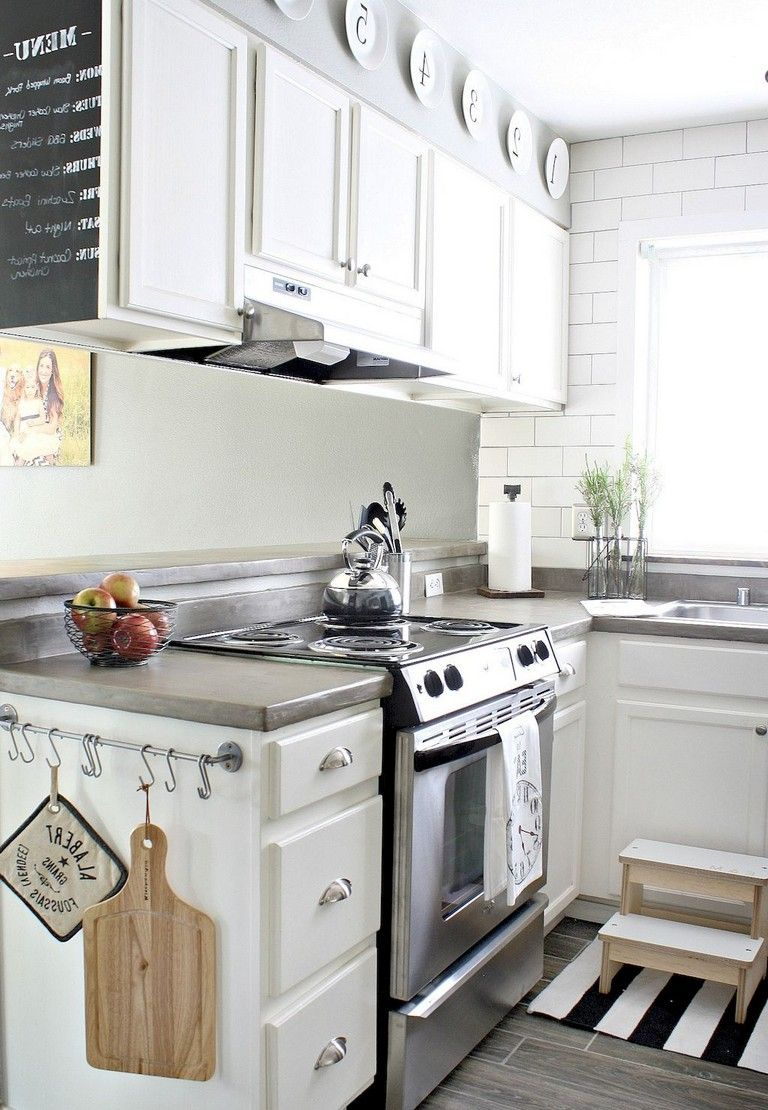 99 Amazing Farmhouse Kitchen Ideas Budget Very Small Kitchen Design Small Kitchen Decor Farmhouse Kitchen Remodel