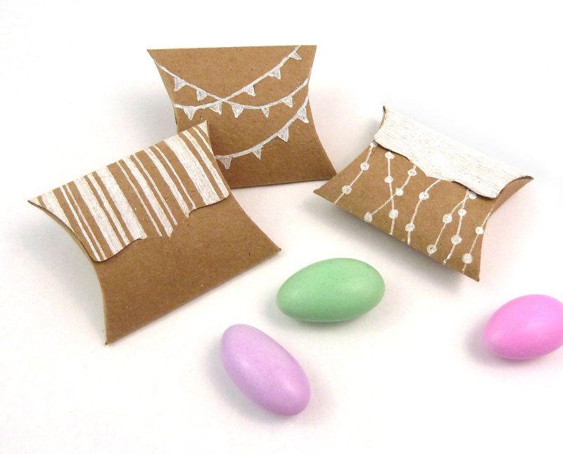 Pillow Gift Box Ideas: Tiny Pillow Boxes   set of 25 DIY Kraft favor boxes   jewelry    ,