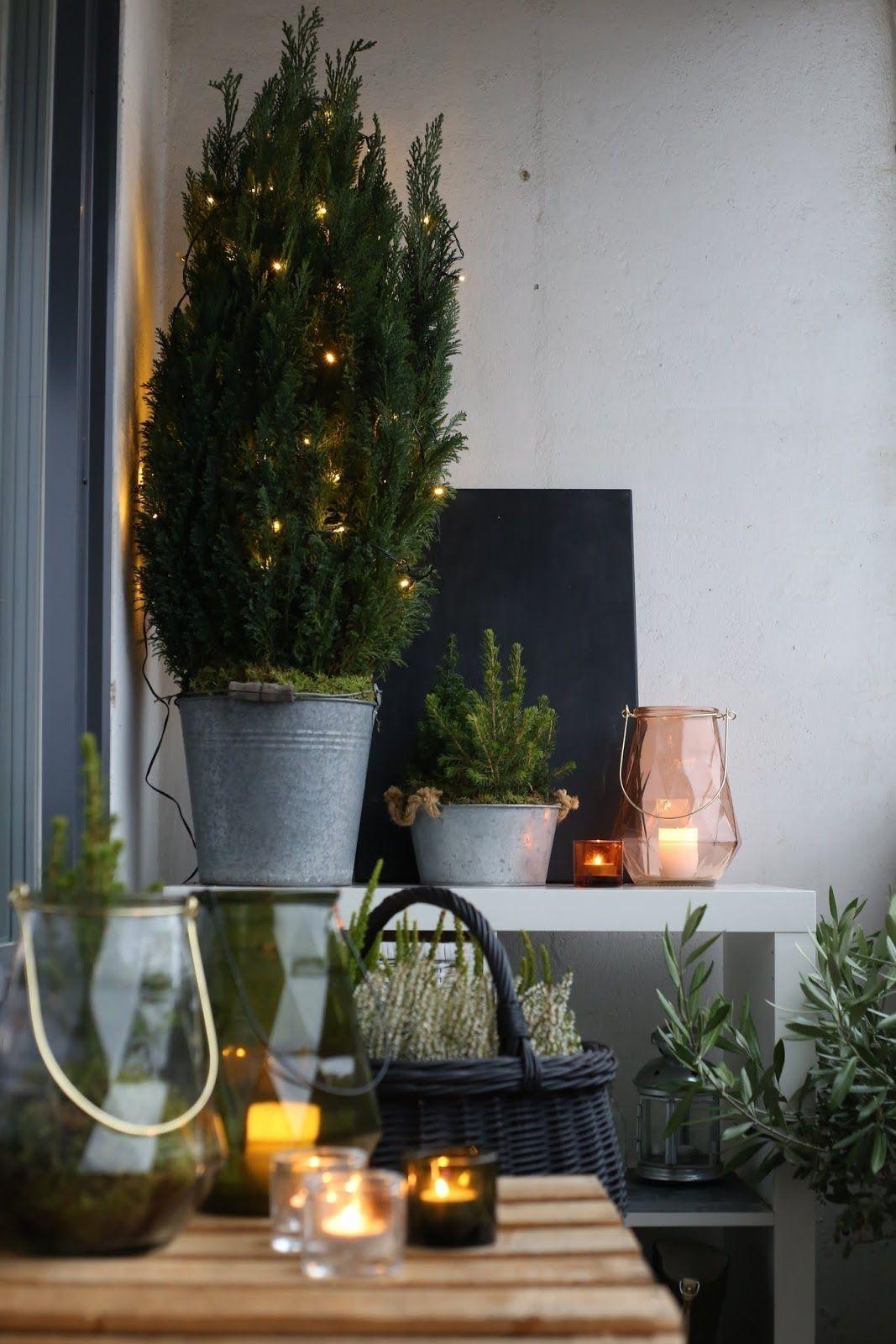 30 small apartment balcony for christmas decor parveke sisustus jouluvalot pienen asunnon on christmas balcony decorations apartment patio id=53572