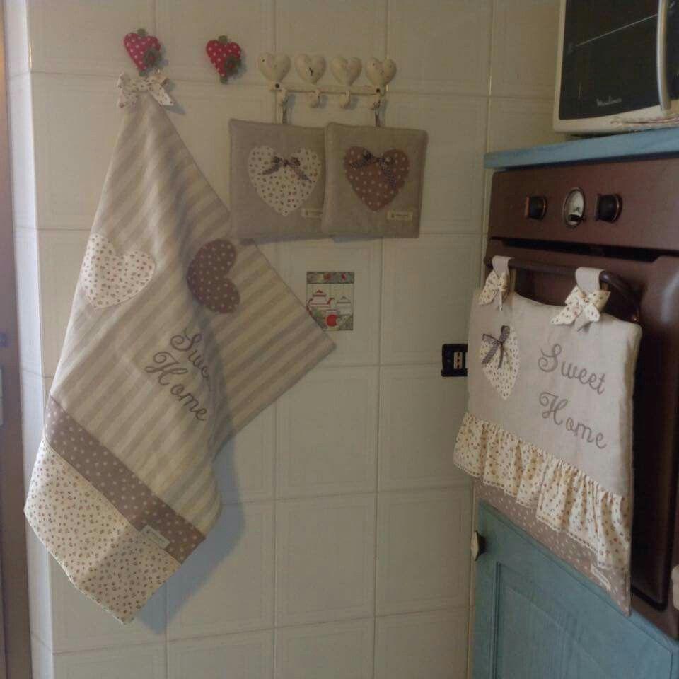 Pin By Mounachek Chekk On تزيين المطبخ Home Deco Bathroom Hooks Home
