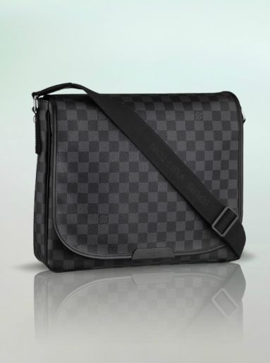 Louis Vuitton Damier MM Messenger bag, urban sporty smart and masculine.  Though I feel terrorized seeing men carrying LV bags with classic LV  pattern (my ... b351c7812da
