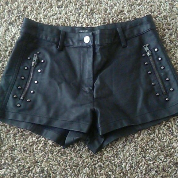 FLASH SALE *HOST PICK*  Pleather Shorts Good condition. Size S. From Forever 21 Forever 21 Shorts