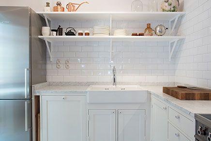 Kleine witte landelijke keuken google zoeken houseboat