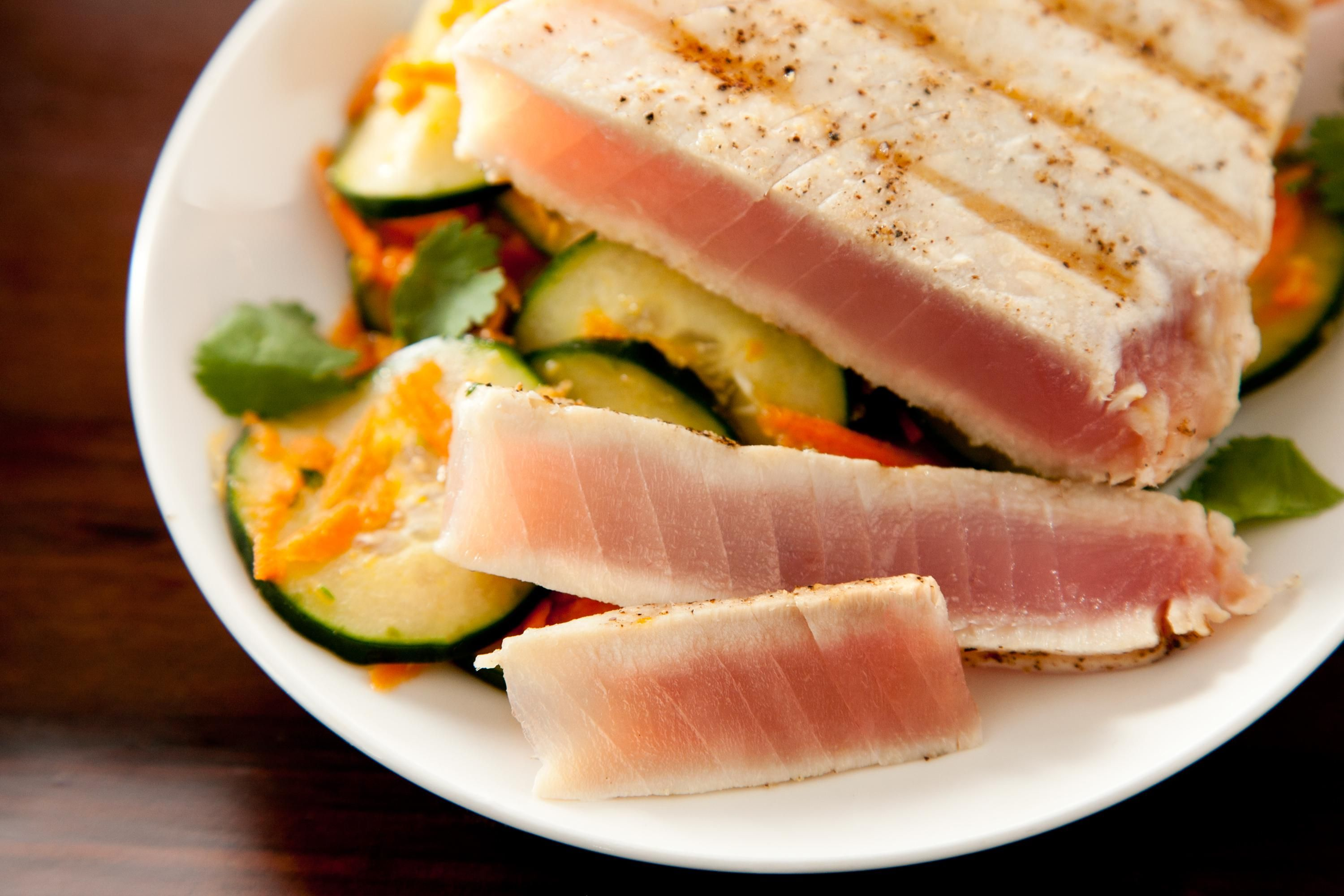 Grilled tuna with cucumber salad recipe with images