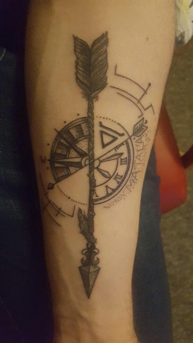 Róża Wiatrów Połączona Ze Strzałą Moje Tatuaże Tatuaż